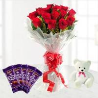 FlowerAura: Get ₹ 100 off Pure Love: Roses & Chocolates Orders