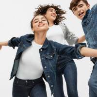 Flat 50% OFF on Exclusive Gap Collections