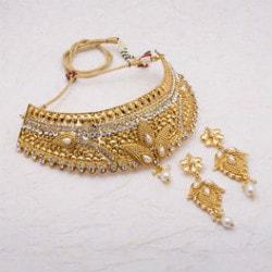 Buy 1 Get 1 FREE on Women's Festive / Gift Jewellery
