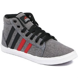 Upto 70% OFF on Sneakers from ₹ 399